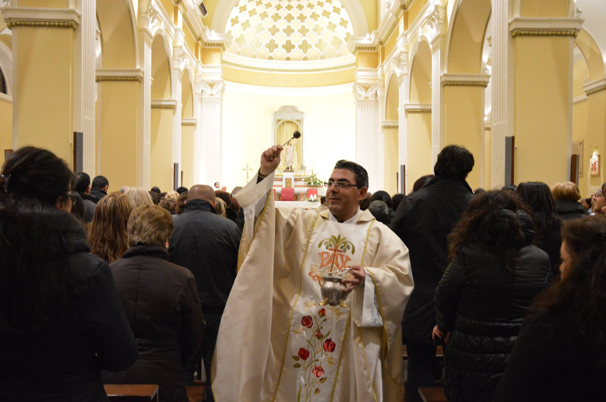 Chiesa, cambio alla guida del Santuario di PolsiLascia don Pino, indagato per 'ndrangheta