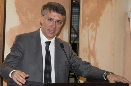 "Malati a terra a Nola, Cantone: ""I medici vanno premiati"""
