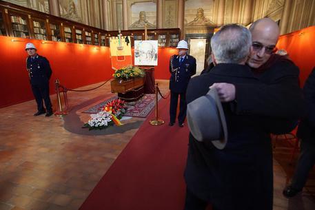 Funerali Marotta, anche dall'estero per l'ultimo saluto