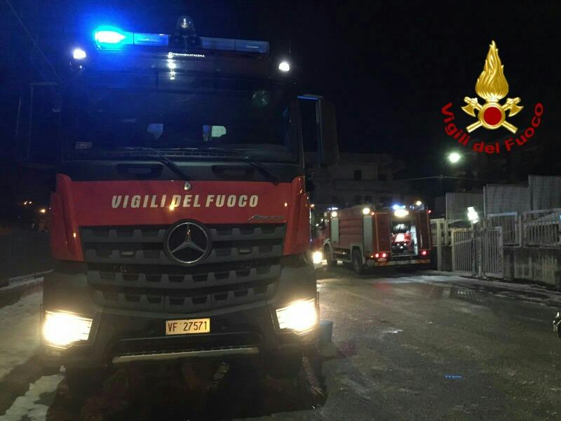 Incendio in abitazione, salvate quattro persone ad Avellino