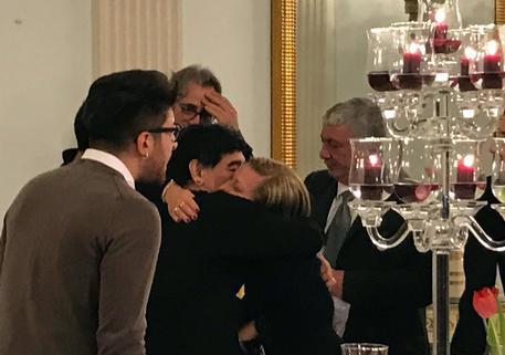 """Maradona: """"Dopo trent'anni chiedo scusa a mio figlio"""""""