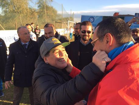 Maradona il 4 luglio a Napoli per ricevere la cittadinanza onoraria