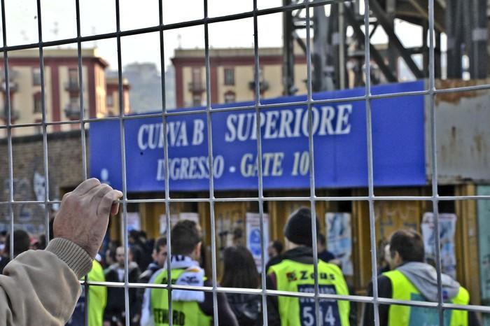 Napoli, è febbre Real Madrid: tifosi in fila dall'alba per la partitaChampions di marzo