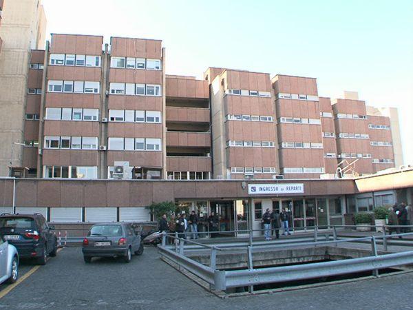 Coronavirus, negativo il caso segnalato all'ospedale di Reggio Calabria: tamponi inviati allo Spallanzani ed analizzati