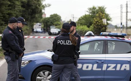 Annuncia suicidio su Facebook, salvata a Napoli