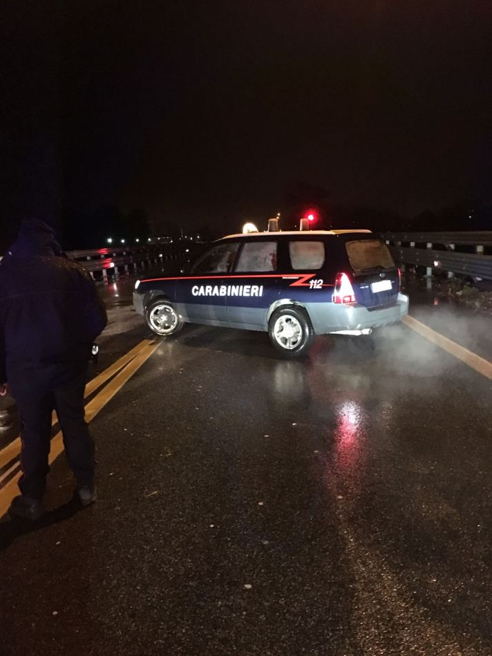 """Emergenza maltempo, chiuso il ponte sul fiume Allaro a Caulonia  Il presidente Oliverio:""""Situazione gravissima in Calabria"""""""