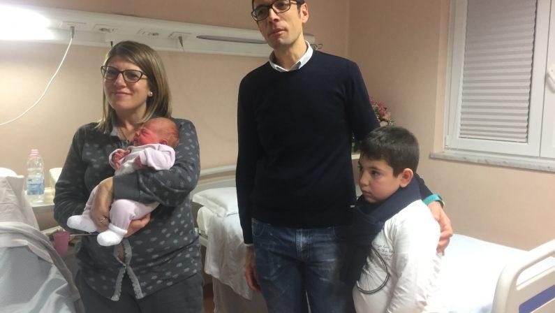 Ad Avellino il primo nato del 2017, il professor Malzoni: Adele è la prima d'Italia