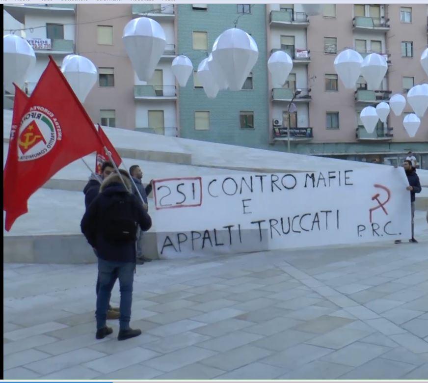 Sit – in a piazza Bilotti, Cosenza, contro appalti truccati e voucher