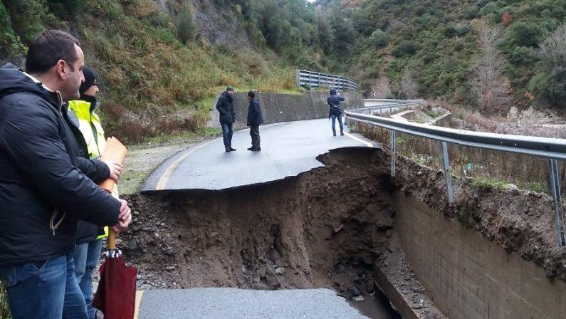 Maltempo, Calabria dilaniata dalla pioggia incessantePrimo bilancio drammatico per strade e servizi