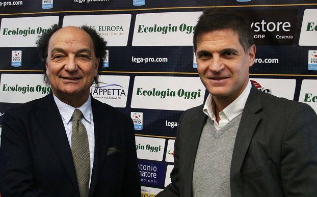 Calcio, Valoti lascia il Cosenza per motivi personali: «Qui si sta lavorando per tornare in alto»