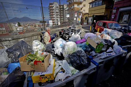 Napoli, sequestro di 200 milioni nel settore dei rifiuti