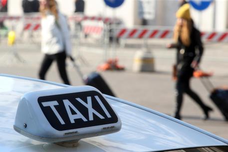 Napoli, Taxi: stato di agitazione ma servizi garantiti