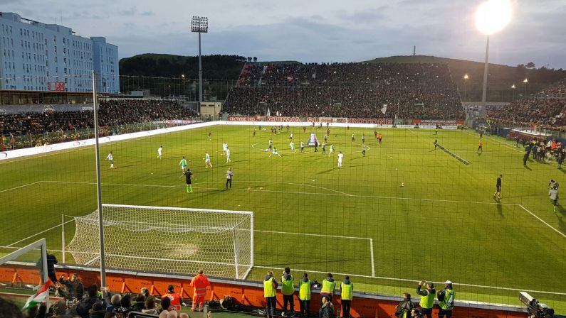 Serie A, a Crotone si prepara l'arrivo della JuventusVertice in Prefettura per la gestione della sicurezza