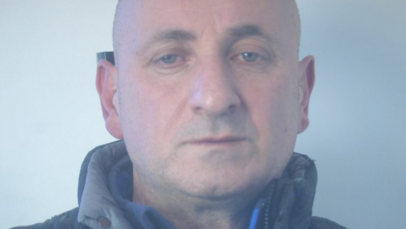 Armi e droga all'interno di un bar in provincia di Vibo Valentia: arrestato il gestore