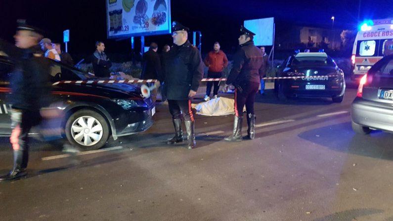 Due pedoni morti sulla statale 106 nel CatanzareseAppello al prefetto per potenziare l'illuminazione