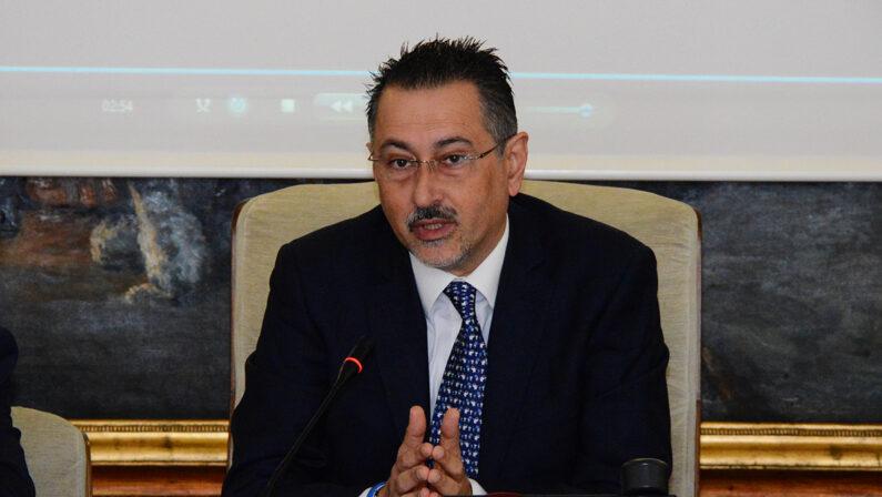 Maglietta a commissario del San Carlo, chiesto il rinvio a giudizio per l'ex giunta Pittella
