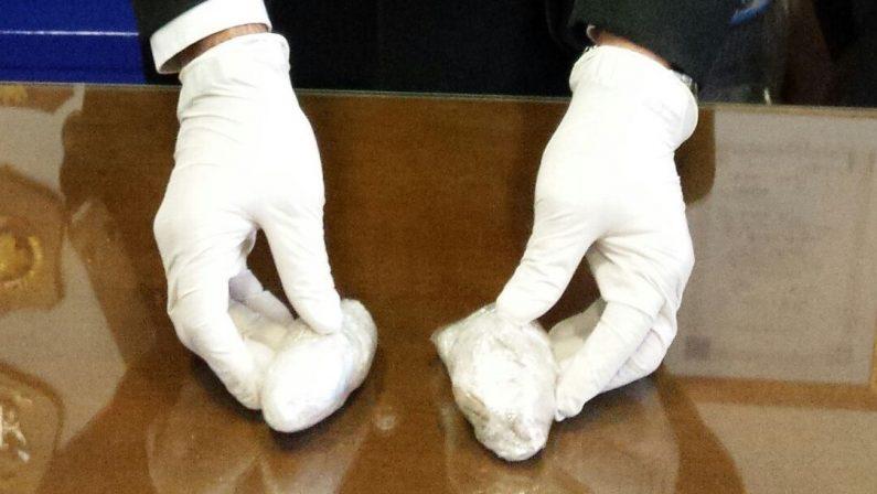 Cassano, scoperto un laboratorio di produzione di eroina