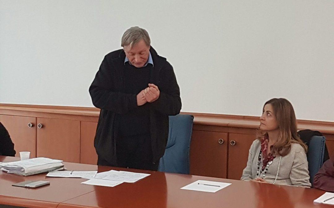 Don Luigi Ciotti nella redazione centrale del Quotidiano