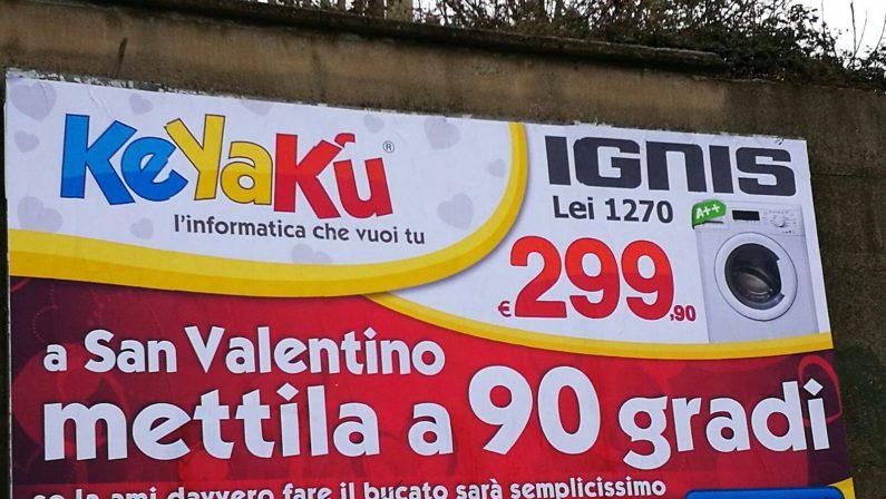 Manifesti sessisti a Cosenza, monta la protestaIl sindaco Occhiuto pronto a ordinarne la rimozione