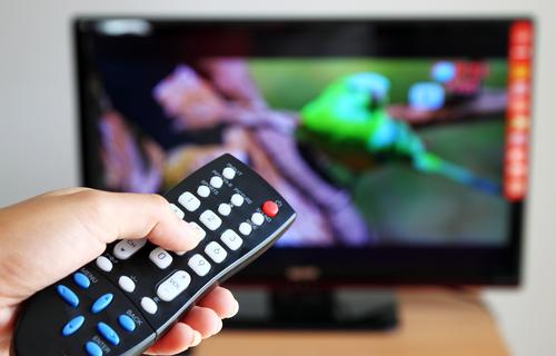 Trasmissione illegale di programmi pay tv nei localiI carabinieri denunciano 23 persone nella Locride