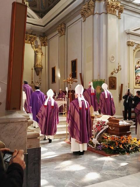 Ultimo saluto ad Atripalda per Mons. Barbarito