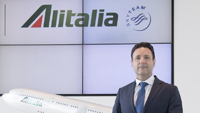 Aeroporto di Reggio Calabria, Alitalia accusa Oliverio«Abbiamo atteso 15 mesi senza avere risposte»