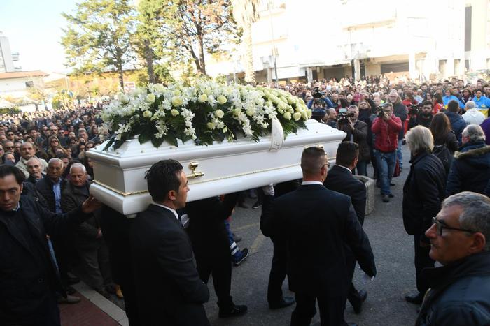 Omicidio Lettieri, la rabbia della sorella«Antonella è stata uccisa due volte»