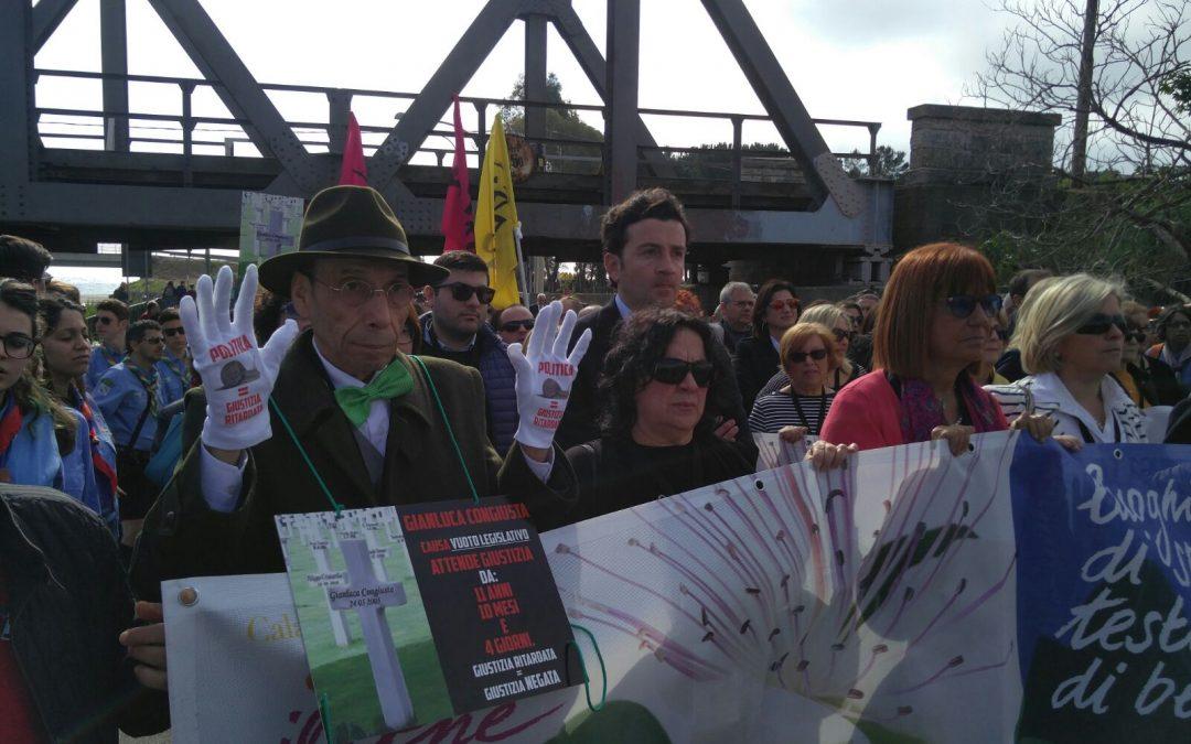 VIDEO – In migliaia al corteo di Libera a Locri  La festa per la legalità con don Luigi Ciotti