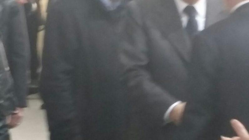 FOTO - L'abbraccio di Mattarella alle vittime di mafiaA Locri la manifestazione per la giornata della memoria
