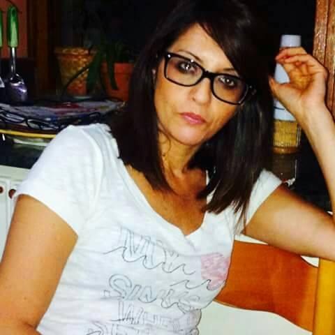Tragedia in provincia di Catanzaro, muore una donnaUn'auto sfonda il parapetto e finisce in fondo al fiume