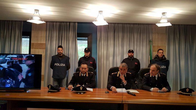 Armi, estorsioni e furti vari: scatta l'operazione Jackal  A Catanzaro eseguite 6 ordinanze cautelari