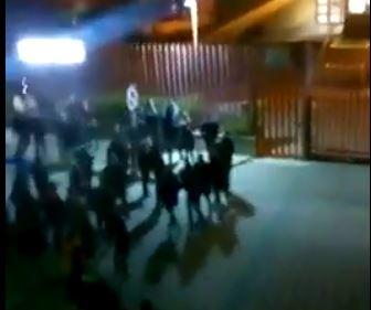 VIDEO - Omicidio Antonella Lettieri, la rabbia dei familiariche inseguono l'auto con a bordo il presunto assassino