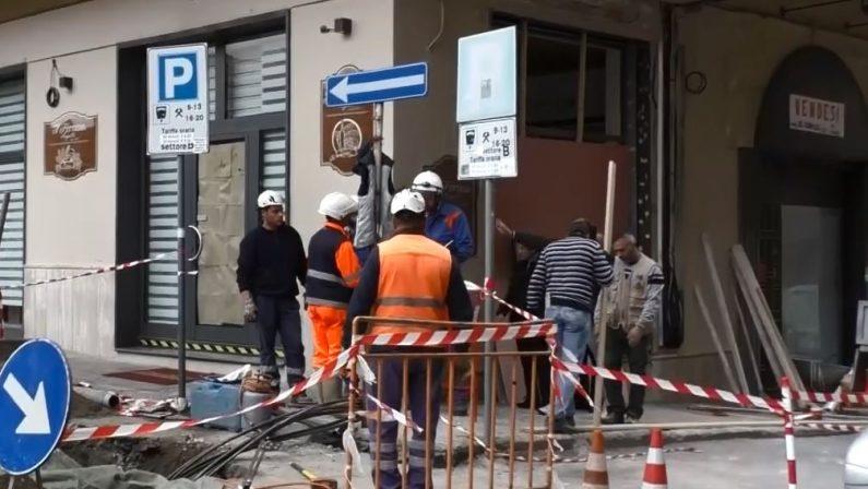 VIDEO - Bomba distrugge panetteria a LameziaI danni ingenti in tutta l'area dell'esplosione