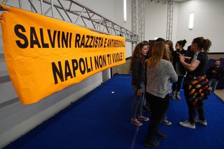 """De Magistris: """"Prefetto ordina sì per la mostra di Salvini"""""""
