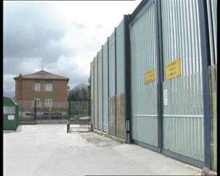 Avellino, perquisizione in carcere: Polizia penitenziaria trova due telefoni cellulari in una cella