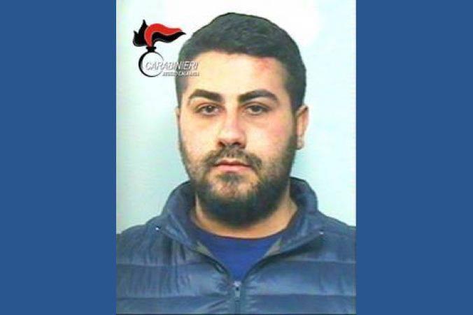 Incendia l'autovettura del cognato: a Rosarno un 26enne arrestato dai carabinieri