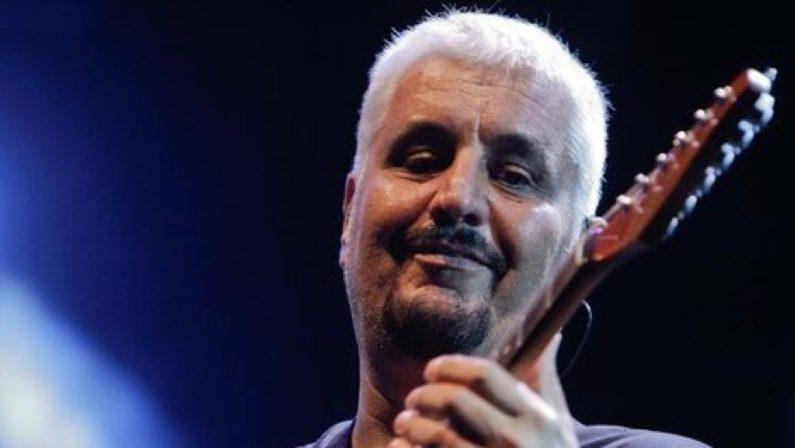Napoli ricorda Pino Daniele a tre anni dalla scomparsa con mostra e flash mob