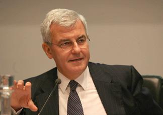Usura bancaria, Alessandro Profumo rinviato a giudizio a Lagonegro