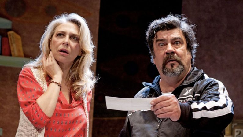 """""""I suoceri albanesi"""", al teatro Politeama di Catanzaro  la commedia con Pannofino ed Emanuela Rossi"""