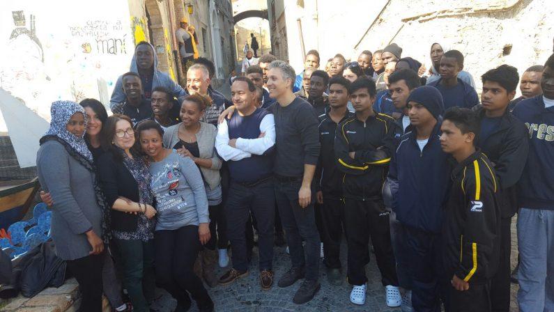 FOTO - Una miniserie su Riace e sul sindaco Mimmo LucanoBeppe Fiorello in Calabria per i primi sopralluoghi
