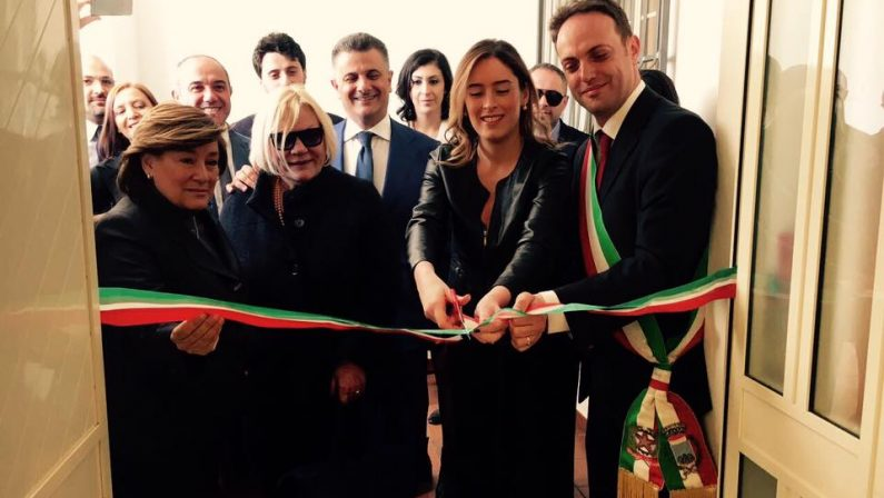 La Boschi inaugura la Casa delle Stelle per le donne vittime di violenza
