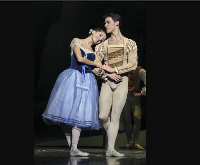 Il primo ballerino della Scala, Claudio Coviello, torna a esibirsi nella sua Potenza