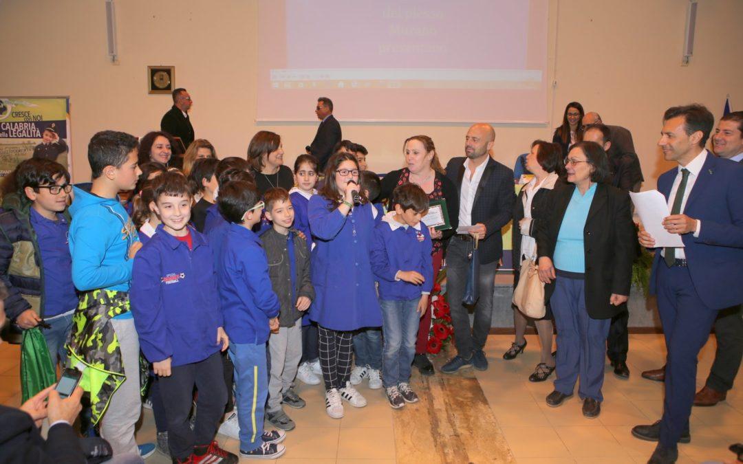 La polizia dialoga con i giovani e la scuola, a Catanzaro  l'appello del Coisp: « I ragazzi sono il presente»