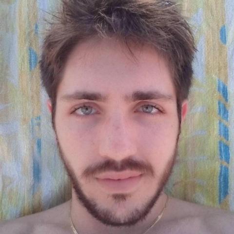 Crotone, è morto Davide CarrabettaHa combattuto al fianco dei malati di cancro