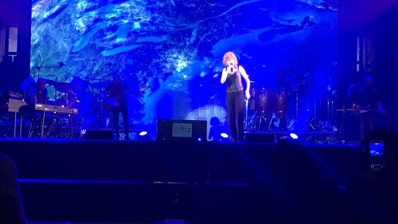 FOTO - Fiorella Mannoia incanta CrotoneLe immagini del concerto al Palamilone