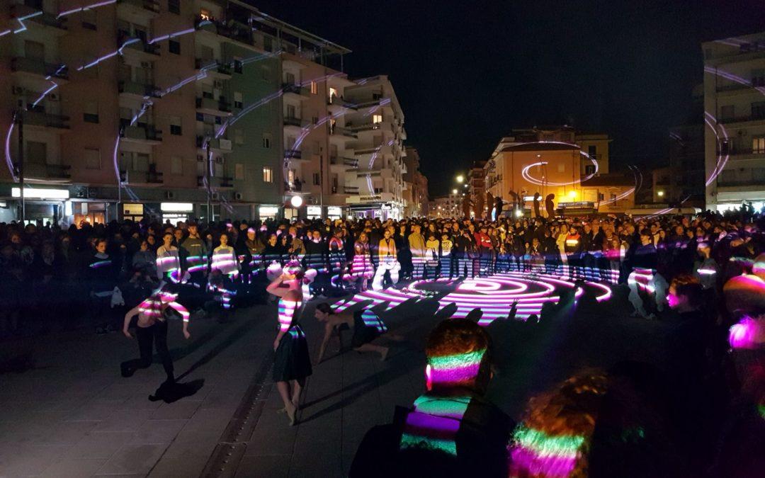 VIDEO – Inaugurate le statue dei Filosofi Guerrieri  Realizzate in piazza Bilotti a Cosenza