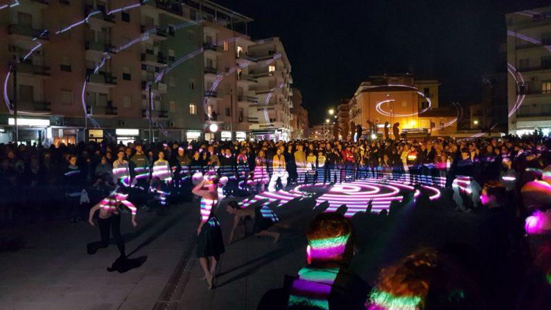 VIDEO - Inaugurate le statue dei Filosofi GuerrieriRealizzate in piazza Bilotti a Cosenza