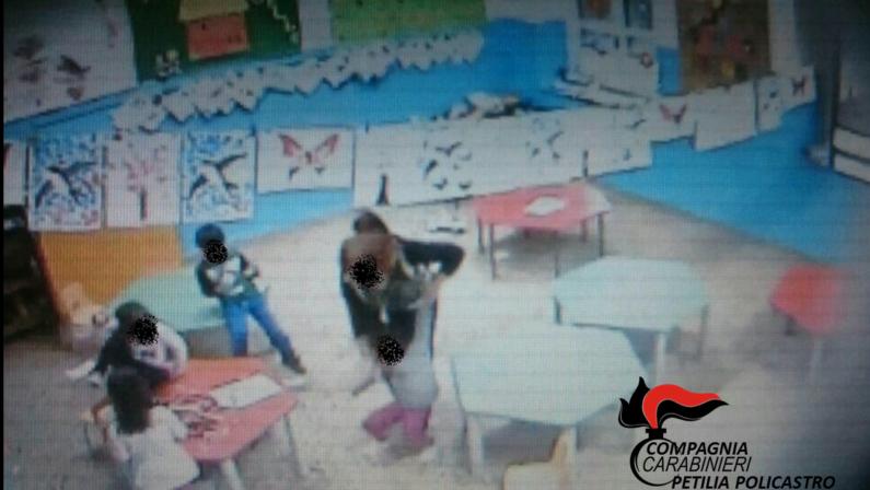 VIDEO - Le violenze delle maestre in un asiloSospese insegnanti nel Crotonese