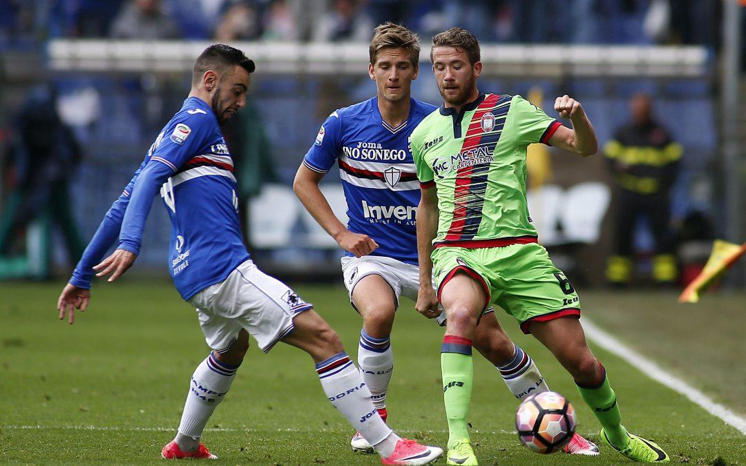 Un momento dell'incontro tra Sampdoria e Crotone