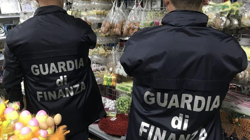 Sequestrati uova e oggetti decorativi per la PasquaQuattro milioni e mezzo di pezzi pericolosi a Cosenza